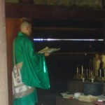 The priest chanting sutras for the SEGAKI offerings