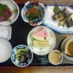 The meatless matsutake-rice set ( about 1500 Yen) at the Ichinoya Restaurant. It includes tuna sashimi, grilled sanma, pickles, dobin-mushi, matsutake-rice, watermelon, etc. (Oct 2010)