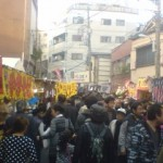 The nearer to the shrine, the more crowded it gets!