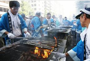 The sanma festival held in Meguro (Tokyo), each year in September