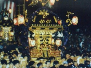 On the second day of the Shimodate Gion Festival the giant Omikoshi is carried (and shaken passionately) late into the night (this year on July 28th)