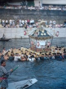 Watch the portable shrines lowered into and cleansed in the river on the last day of the Shimodate Gion Matsuri ( this weekend)