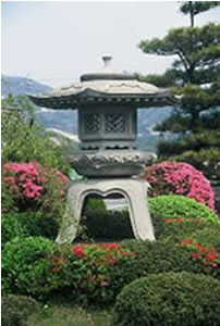 Makabe has long been famous for its stone-ware. On the way there and back you will see the road lined with an almost impossible aray of stone creations of all sizes. This is a typical stone lantern made of Makabe stone.