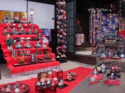 Its Hina Dolls everywhere in Makabe until March 3rd
