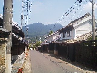 In Kangori the street is lined on both sides with beautiful old houses