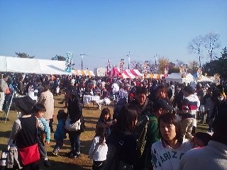 The Curry Festival on November 16th 2013 featured warm air, clear skies aaaaand LONG LINES. It was easier to get any food other than curry.