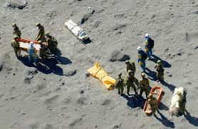 The Japanese language media reported that rescue crews working on Mt. Ontake discovered those who were unharmed,  those who were injured, and those in a state of cardio-pulmonary arrest (SHINPAI TEISHI)- photo from the Japan Times website
