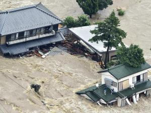 The Kinugawa River overflowed in Ishige (Joso City) - Tsukuba`s neighbor to the west- on September 10th. Dozens needed to be rescued and thousands are now homeless. (photo fro the Yomiuri newspaper.