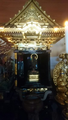 The main object of worship at the Hokuto-ji Temple in Kurihara - a statue of Myoken-sama, the deification of the northern star. He can be recognized by the fact that he is standing on a tortoise!