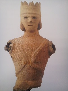 Haniwa figurine depicted a man wearing a crown discovered at a kofun burial mound in IBARAKI PREFECTURE (not part of the exhibition in Ueno)