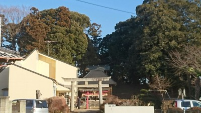 """Approaching the Kashima Shrine in Matsuzuka - note the tree-covered """"key-hole"""" type tumulus from the 6th century."""